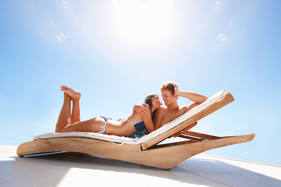 photodune-186167-happy-couple-enjoying-their-summer-holidays-xs